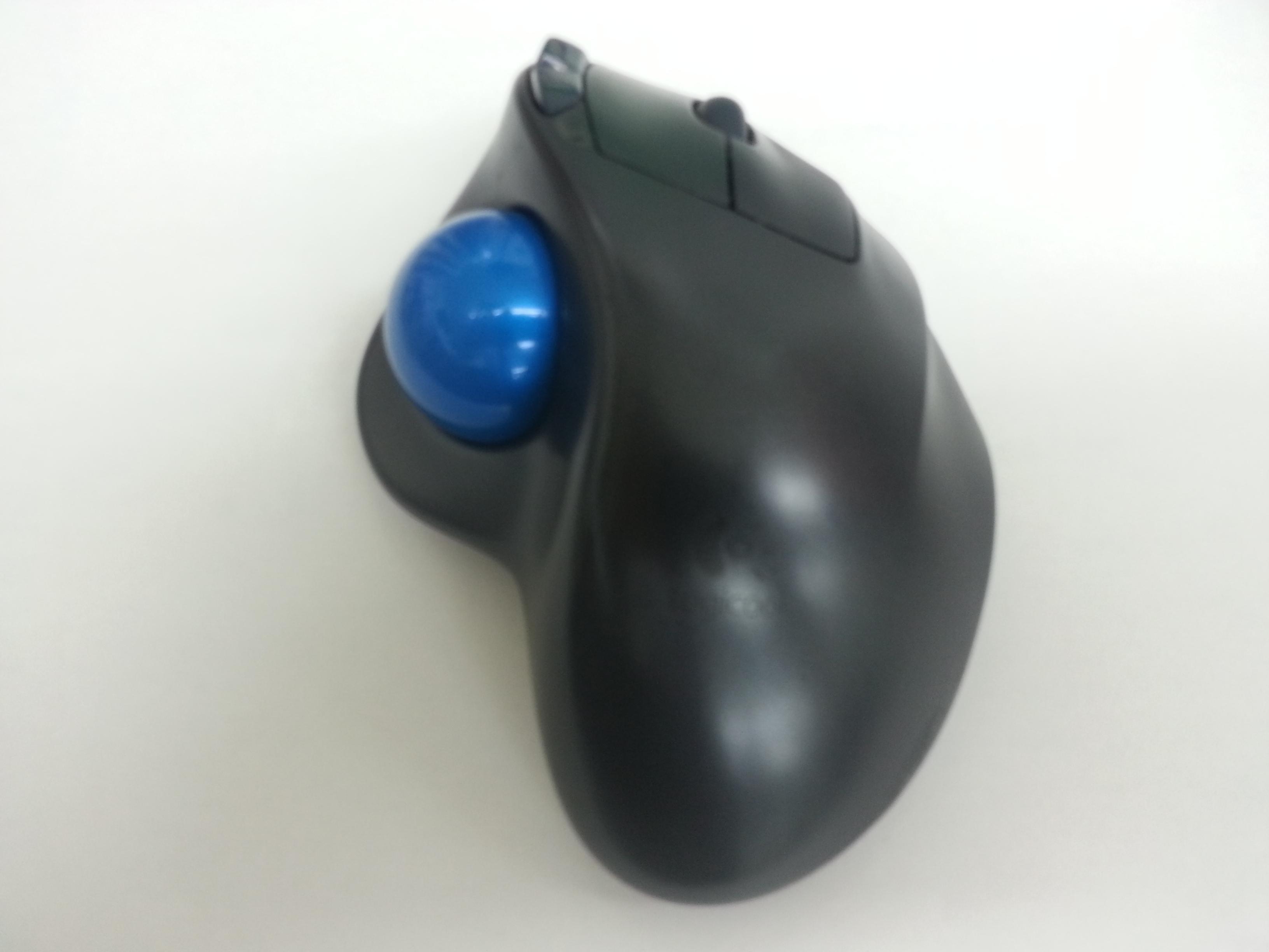 私は4年程前からこのLogicool(ロジクール)のWireless Trackball M570t  というトラックボールマウスを自宅・会社共に愛用しています。
