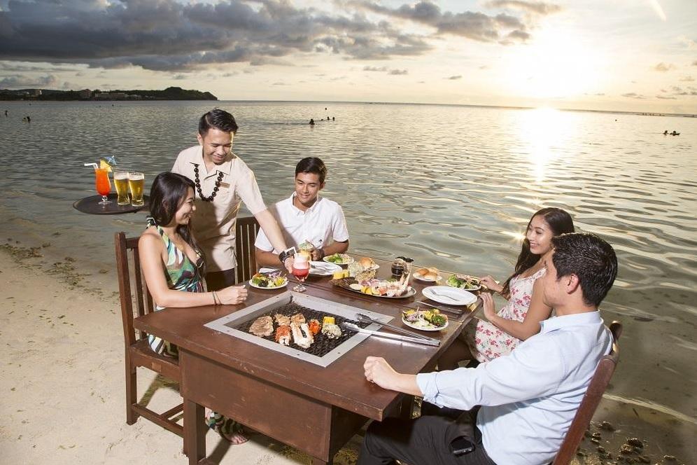 グアム旅行に行ったら、絶対楽しみたいのがバーベキューです!    食べ放題や飲み放題はもちろん、海を見ながら食べたりと、おすすめのBBOレストランをまとめました!