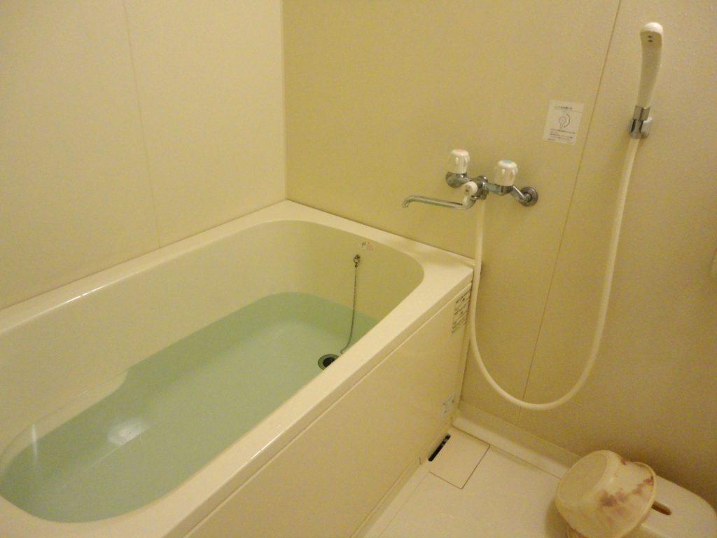 これからの寒い季節の入浴の最中、特に注意したいのが「ヒートショック現象」です。